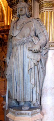 Socha Rudolfova syna Albrechta I. Habsburského, který mu přivedl na Moravské pole posily ze Švábska a později se sám stal římským králem.