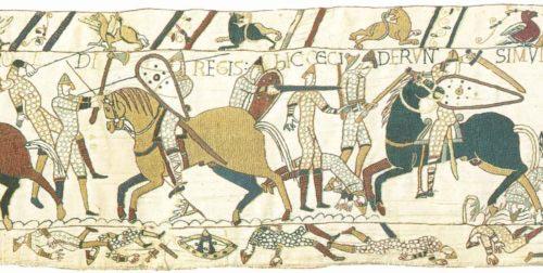 """Použití obouručních seker na """"tapisérii"""" z Bayeux z 11. století, která zobrazuje bitvu u Hastings roku 1066"""
