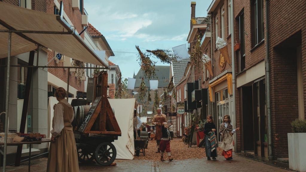 Městečko Slag am Grolle během oslav a rekonstrukce bitvy