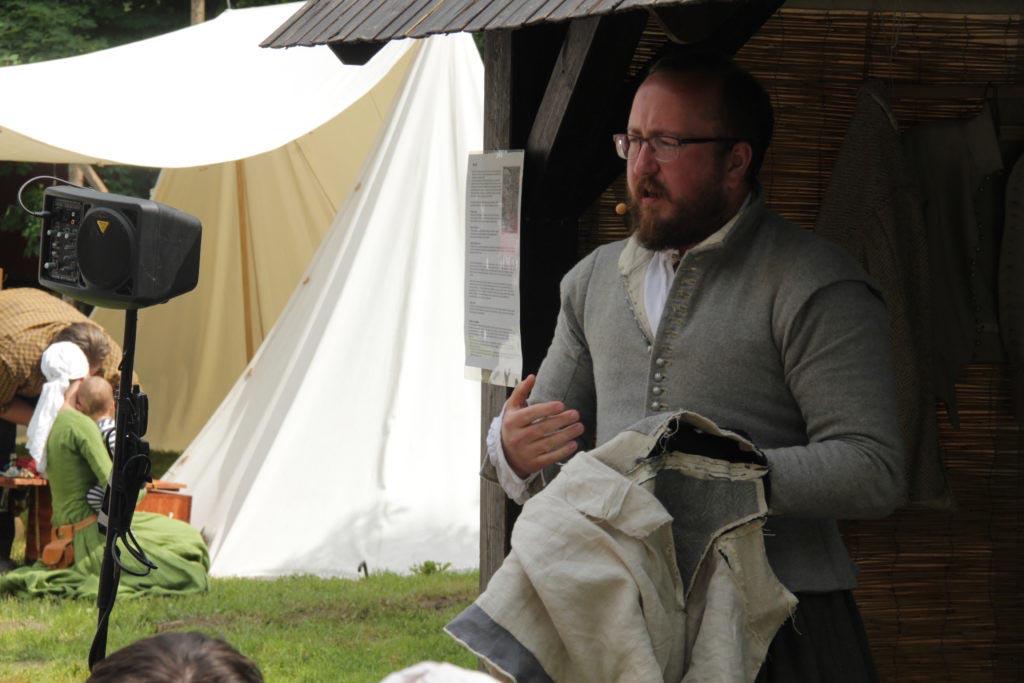 Přednáška o odívání v 1. polovině 17. století