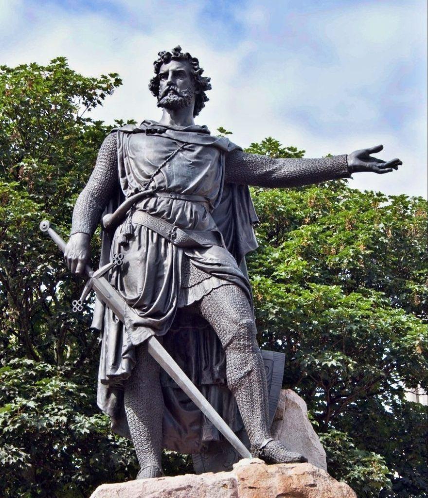 Socha Williama Wallace v Aberdeenu sice není historicky věrná, ale přesto se podobá původnímu rebelovi více než Mel Gibson ve Statečném srdci