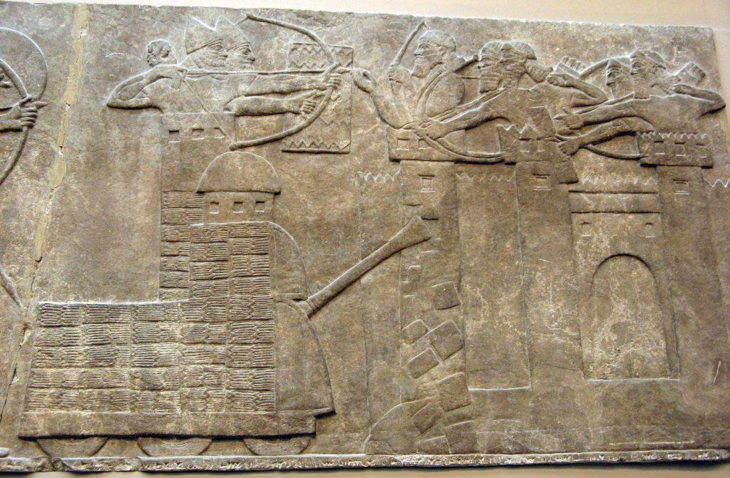 Asyrský obléhací stroj v akci, Nimrud, cca 9. století př. n. l.